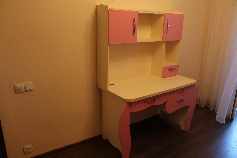 детская комната стол