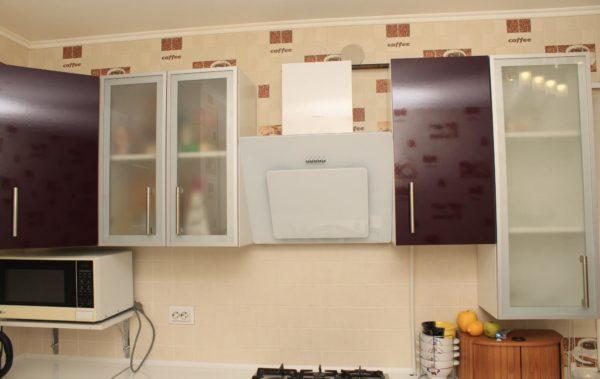кухня мдф вытяжка и шкафы