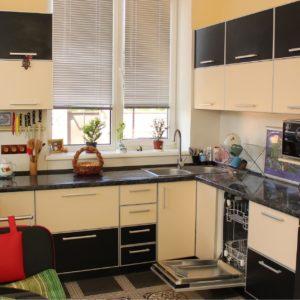 кухня черный, бежевый