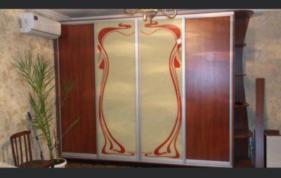 шкаф-купе угловой 4 двери