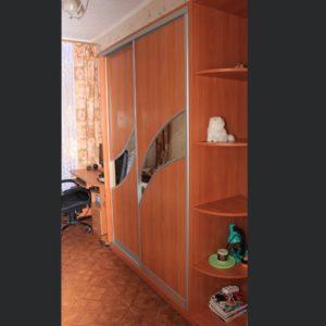 Шкаф-купе двухдверный, фасад зеркало