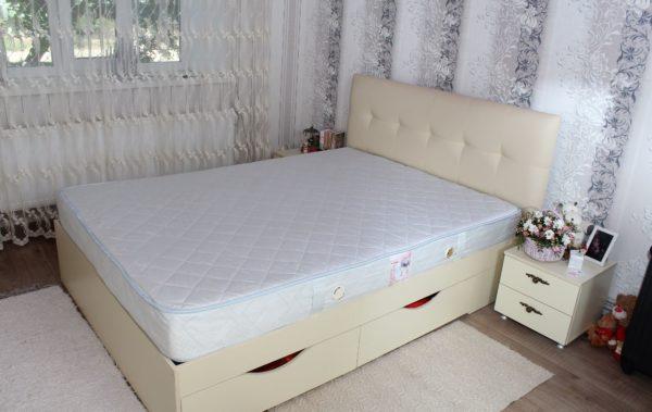 кровать с мягким изголовьем заказать